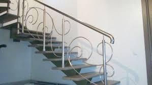 Выбираем перила для лестниц